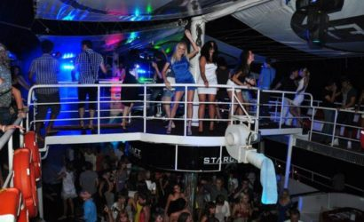 alanya-disco-boat-at-night-in-alanya