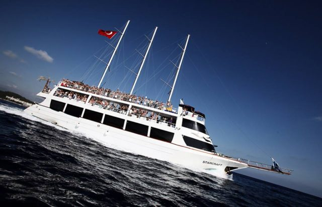 alanya-party-boat-trip6